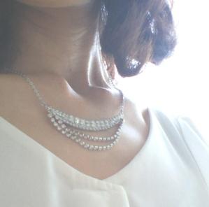 クレセントムーンネックレス動画付きキット完成品・着用時白