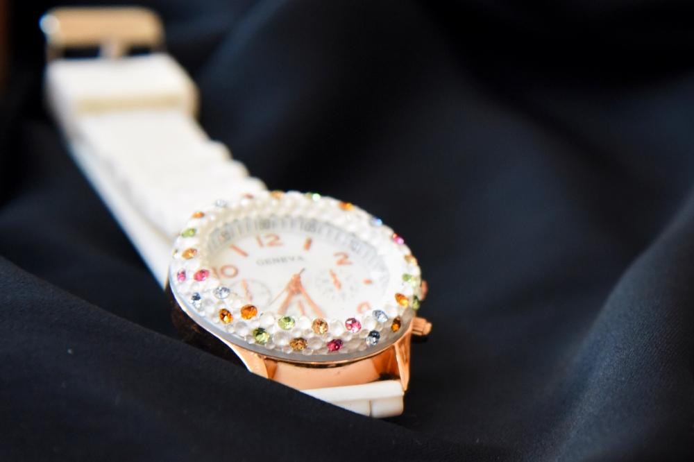 グルーデコ・きらきら腕時計