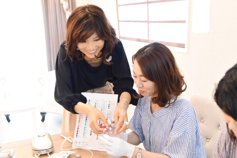 「RIPPLE~リプル~」主宰・グルーデコデザイナーの中山 郁美